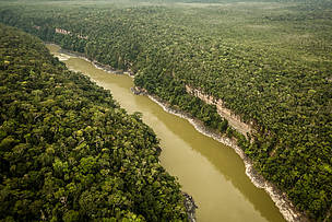 River runs through largest tropical National Park in the world in Colombia